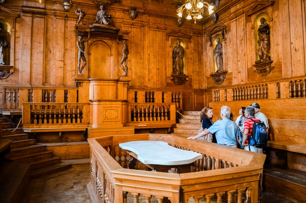 One of de oldest anatomical theatres in the world can be found in Bologna