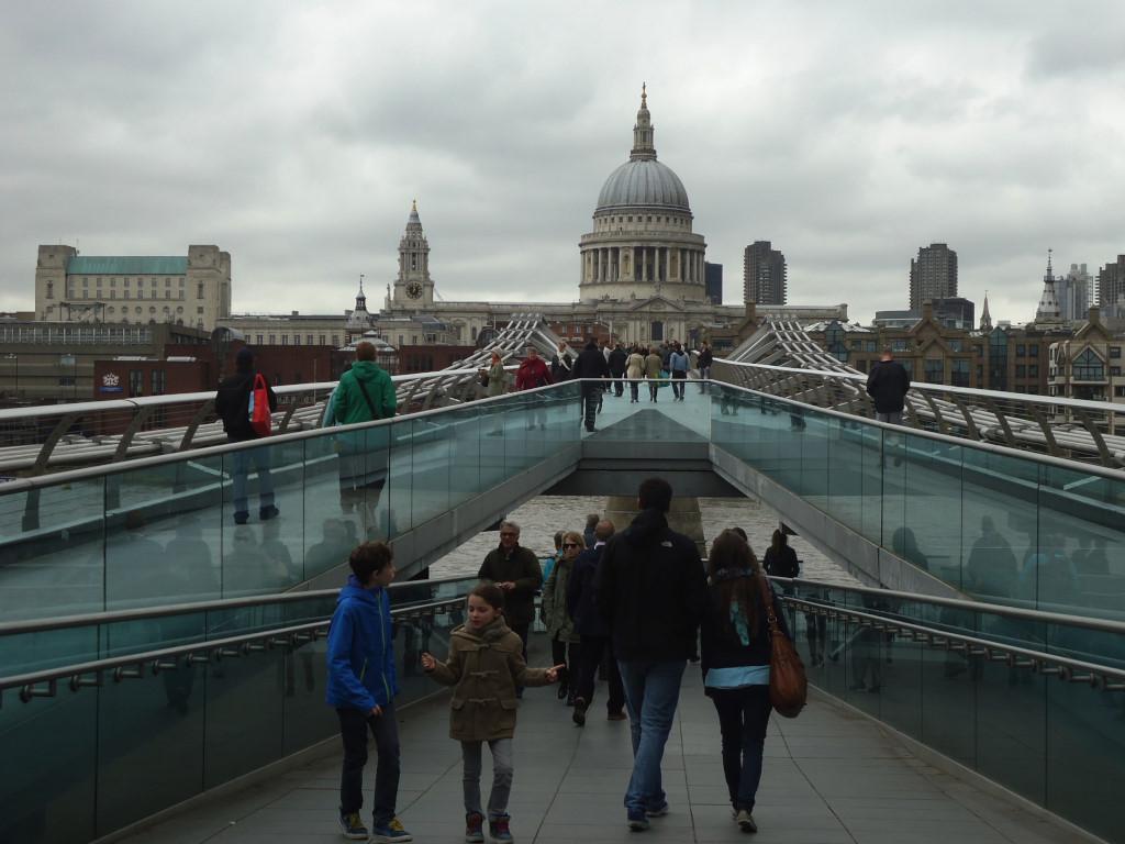 Discovering New Places (Een nieuwe stad ontdekken)