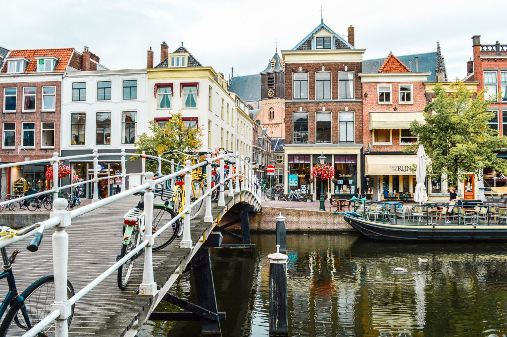 A view of the canals in central Leiden.