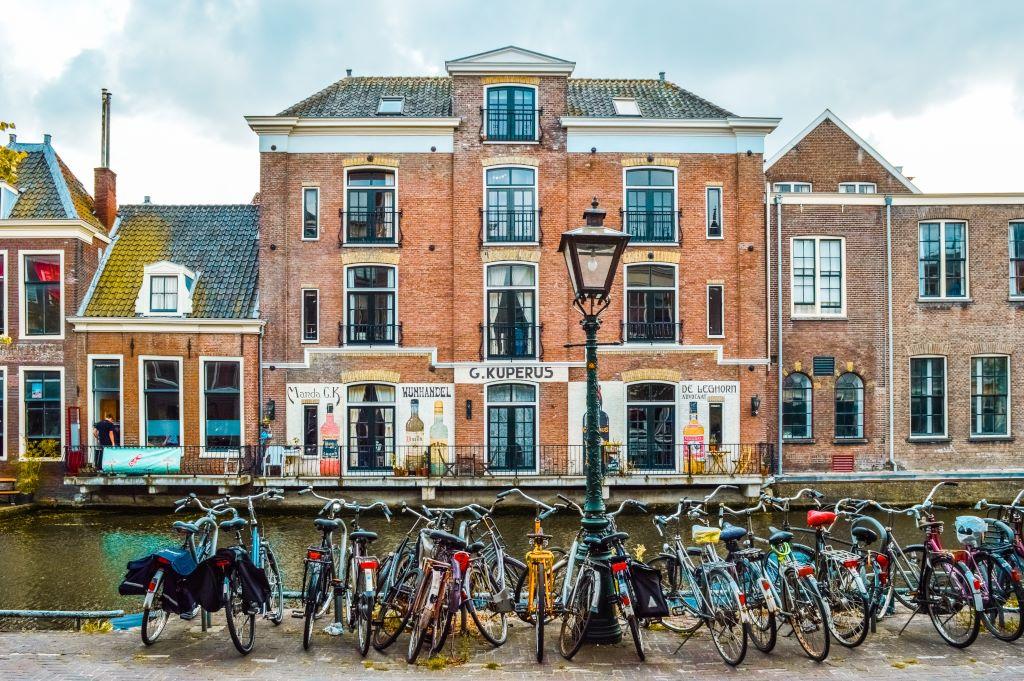 Street photography in Leiden.