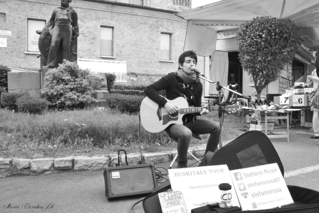 Stefano Rosa performs in the streets of Europe.