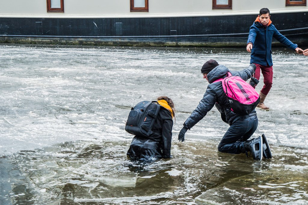 Ice skaters fall through the thin ice in Amsterdam