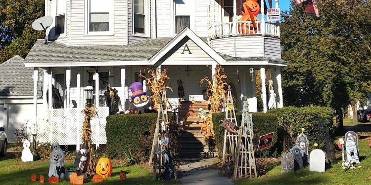 Halloween in New York: decorations and a political sign