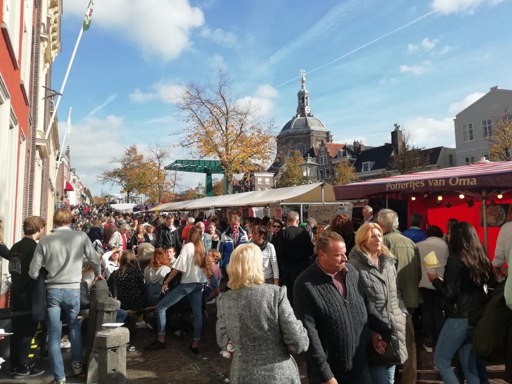 Leiden tijdens het Leids Ontzet op 3 oktober
